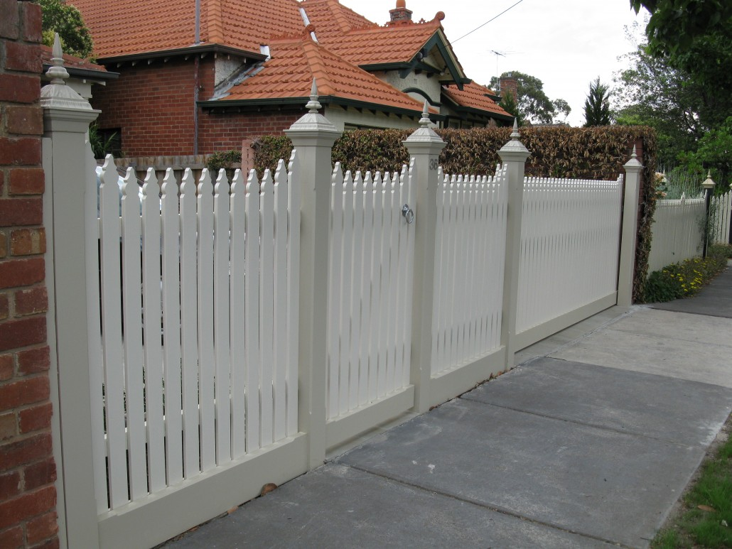 Pickets with Post Capitals